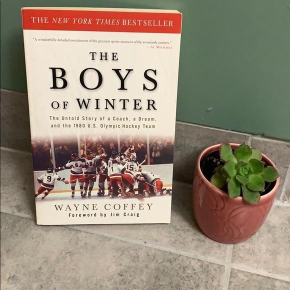 Hockey Lover's Book!! 4/$15